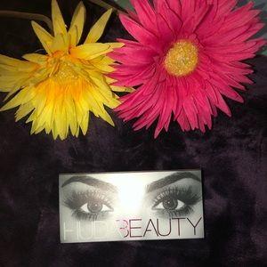 Huda beauty lashes
